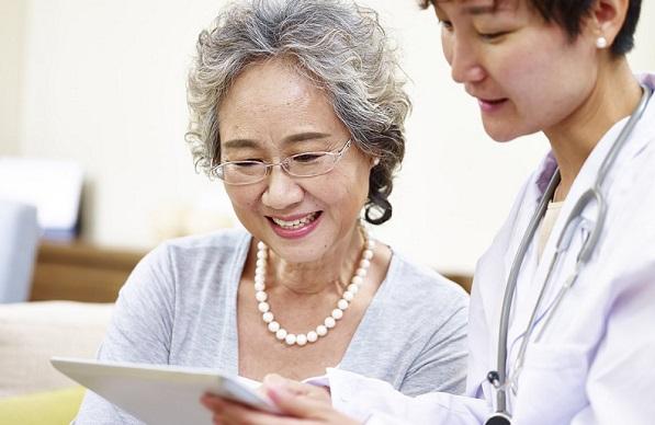 Người trên 50 tuổi có nguy cơ bị suy giãn tĩnh mạch